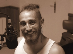 Groupe Bleu Nuit, Jason Feugray, radio TRL.